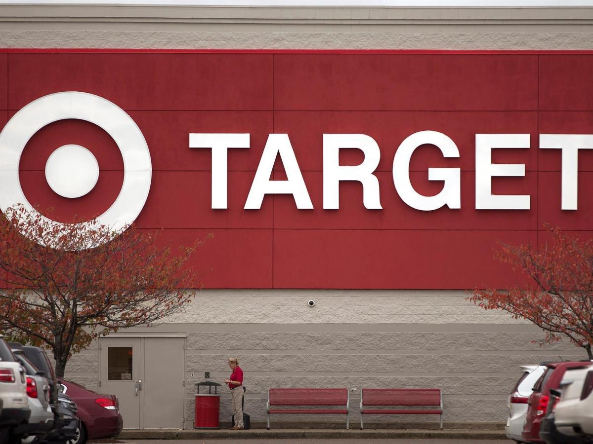 Target destinará 200 millones de dólares a un programa de cuatro años de duración para que sus empleados a tiempo completo o parcial puedan estudiar títulos universitarios. EFE/CJ Gunther/Archivo