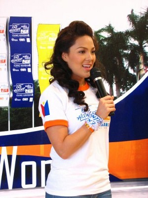 KC Concepcion wearing the shirt and bandana of the event during the press launch (courtesy ROX)