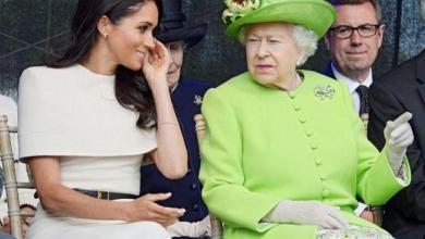 Photo of كتاب: الملكة إليزابيث أعطت ميغان ماركل «درساً ملكياً» في بداية زواجها