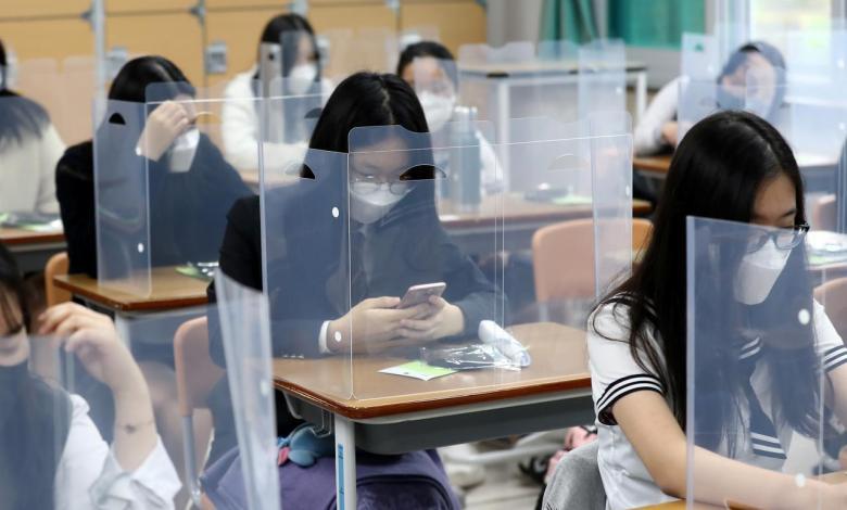 صورة 400 ألف طالب من صفوف العاشر- الثّاني عشر يعودون الى مقاعد الدّراسة يوم الأحد