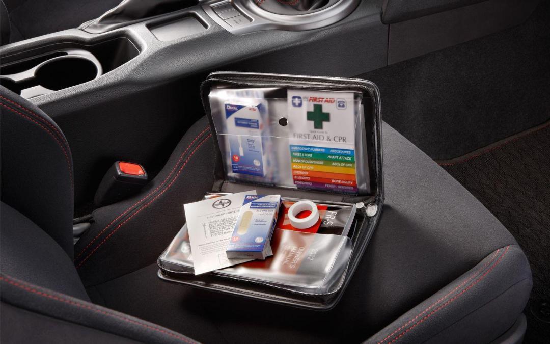 Herramientas básicas que debes llevar en tu auto