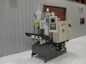 AUTOJECTOR VERTICAL PRESS 40 TON SHUTTLE, YR 1996---CALL FOR QUOTE---267