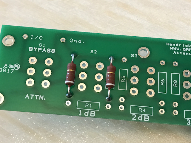 The first two resistors soldered into the Pacific Antennas QRP Kits attenuator