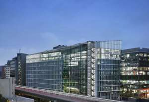 Given uncertain demand and U.S. production in suspense, AstraZeneca continues to seek FDA approval for the COVID-19 vaccine
