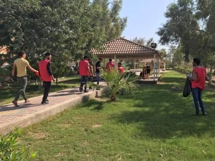 مبادرة طوعية لطلبة كلية التربية البدنية وعلوم الرياضة لتنظيف الكلية