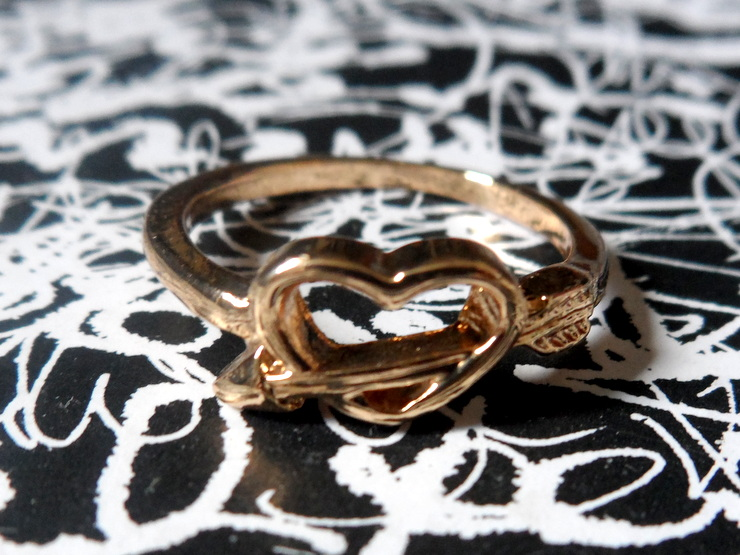 HEART WITH ARROW RING - Rings and Tings