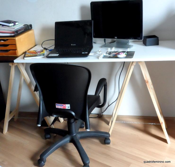 Mesa com porta - cavalete - papel contact