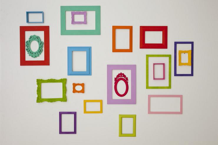 Composição com molduras vazadas - coloridas