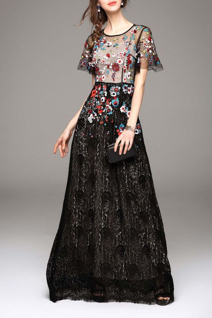 vestido de renda bordado Dezzal
