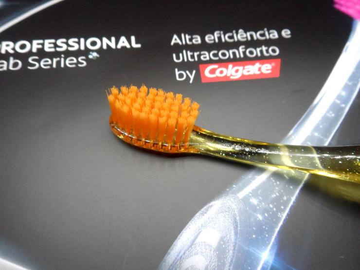 Escova Professional Lab Series Colgate
