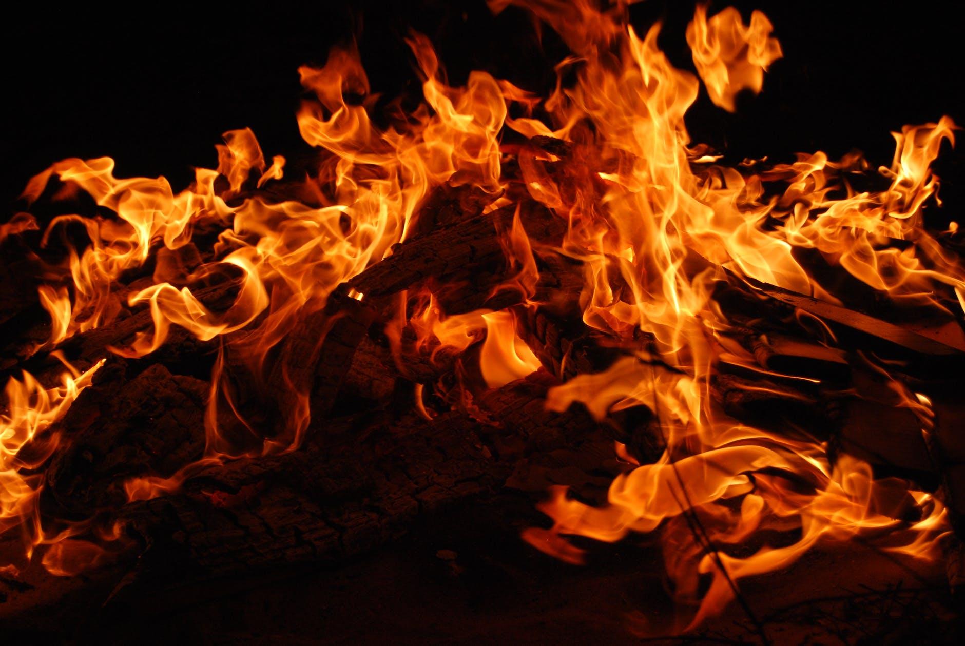 Salvare il fuoco. Il nuovo romanzo di Guillermo Arriaga