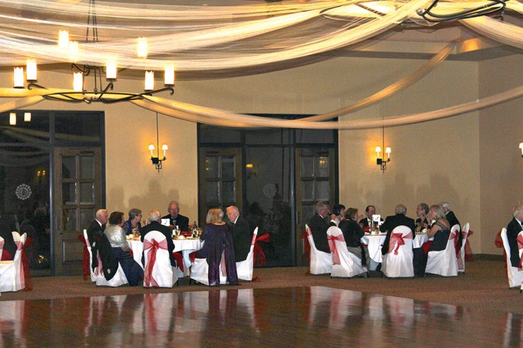 A formal evening Japanese style was enjoyed by the Quail Creek Ballroom Dance Club-