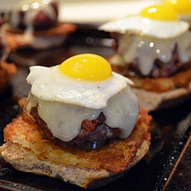Easy Corned Beef Hash With Quail Eggs Recipe - Tasty And ...