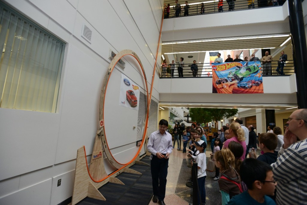 FORD SETS WORLD RECORD FOR BIGGEST HOT WHEELS CAR TRACK LOOP IN SUPPORT OF TAKE YOUR CHILD TO WORK DAY