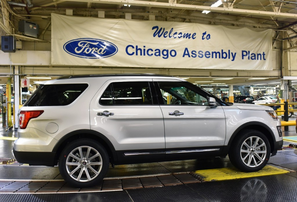 CHICAGO ASSEMBLY PLANT WELCOMES NEW 2016 FORD EXPLORER