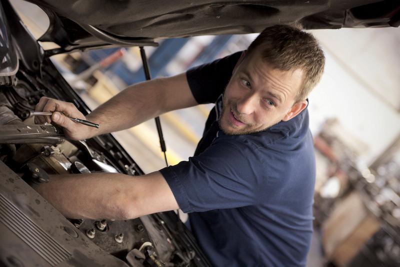 Locating An Ideal Auto Mechanic Shop Quality Mechanics