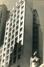 11 - edifício na rua Dr. Falcão Filho