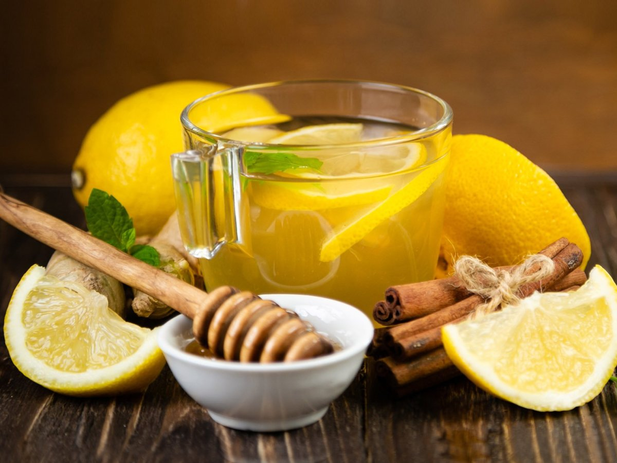 lemon_ginger_honey_hot_fruit_infusion