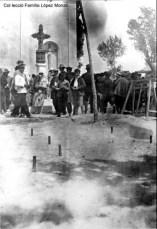 Coets a la porta de l'ermita (ca.1918) [Col·lecció Família López Monzó]