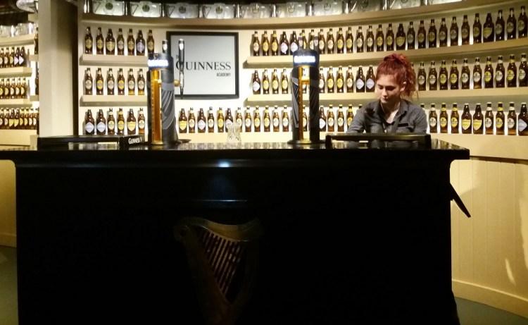 Como é a visita à Guinness Storehouse - Dublin, Irlanda