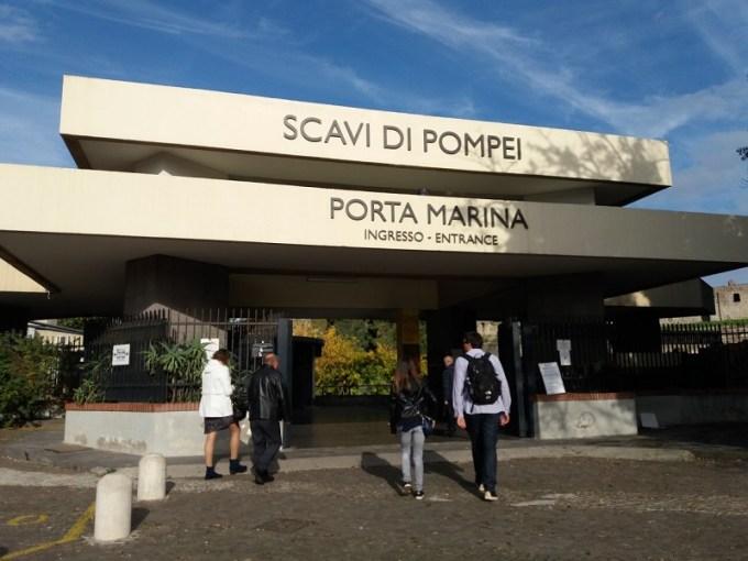 Entrada para visitar as ruínas de Pompeia, na Itália