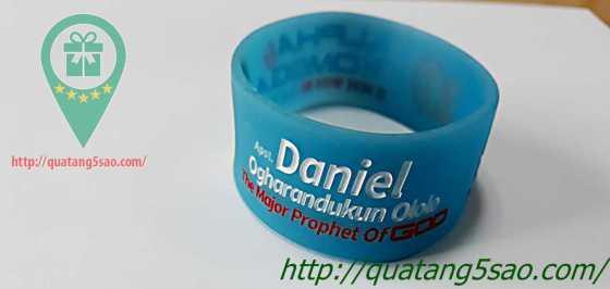 Vòng cao su của Daniel