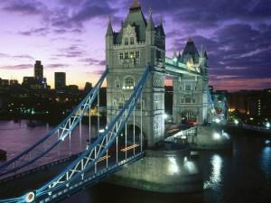 QUE.COM.London