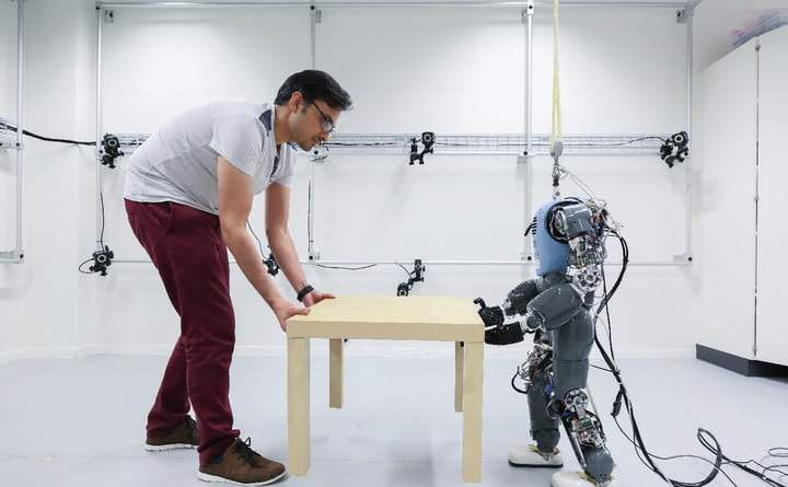 COMAN, Atlas and Cassie examples of Humanoid Robots