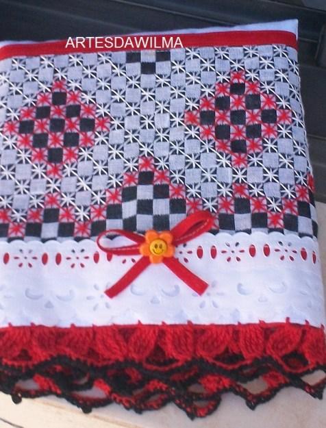 toalha-bordada-no-xadrez