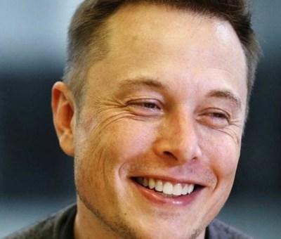 quien es Elon Musk