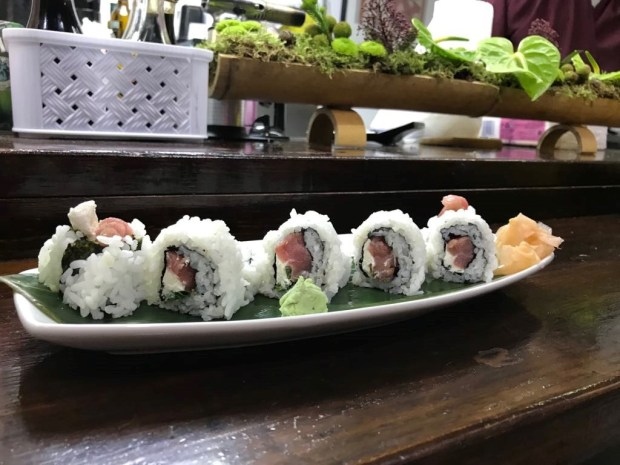 Sushi de atún y salmón kome kome