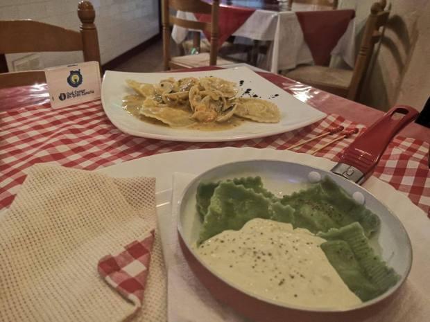 ravioli de espinacas isola bella pasta y pizza italiana