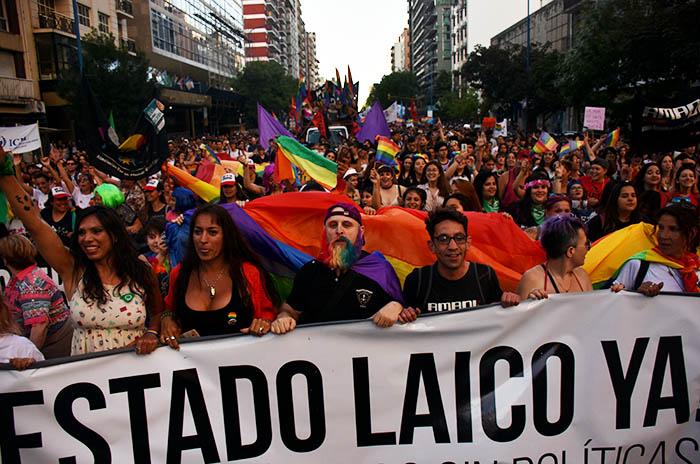 MARCHA DEL ORGULLO LGBTQI (8)