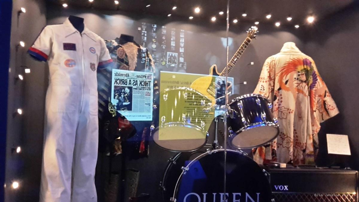 Pamiątki związane z Queen w British Music Experience w Liverpoolu