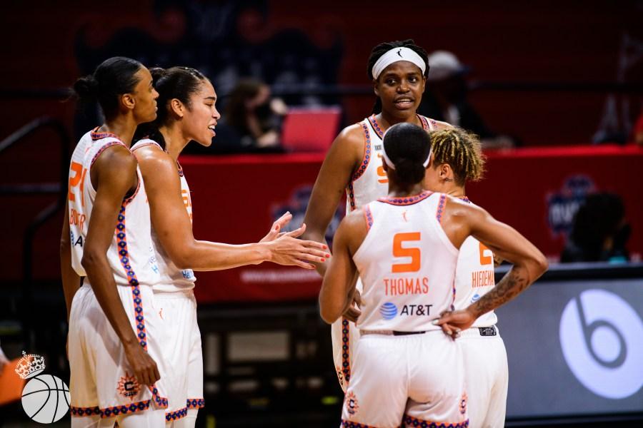 WNBA Connecticut Sun team