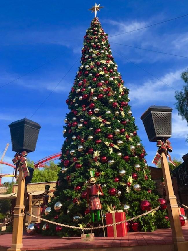 knott's-tree-holiday
