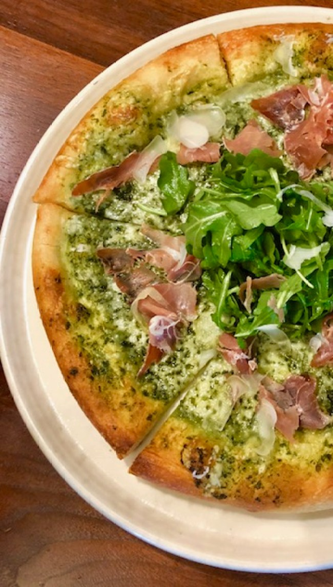 cafe-nordstrom-pizza