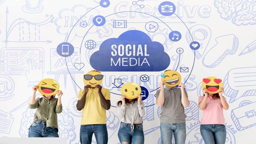 La Gestion médias sociaux (Facebook, Instagram, Linked-In...)