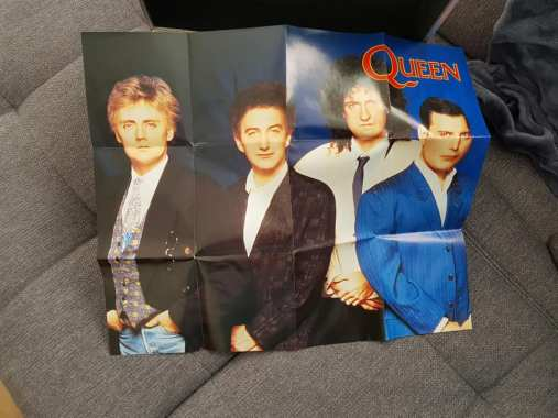 Queen Mania Box poster