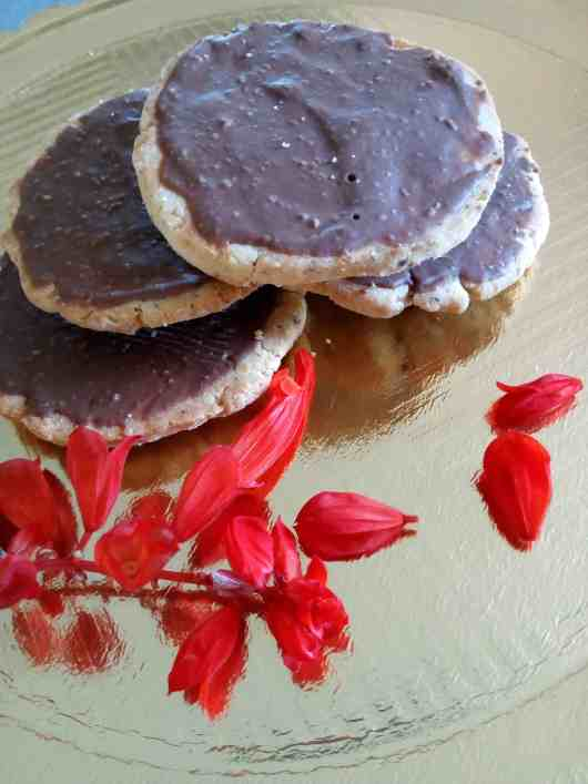 chocolate chia biscuits