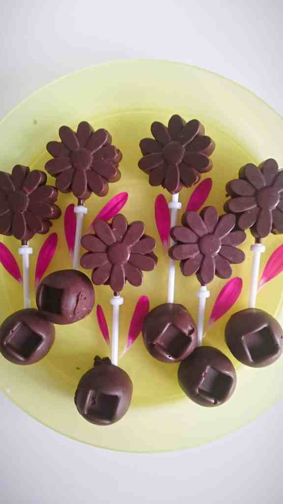 sugar free low carb chocolates with roasted almonds