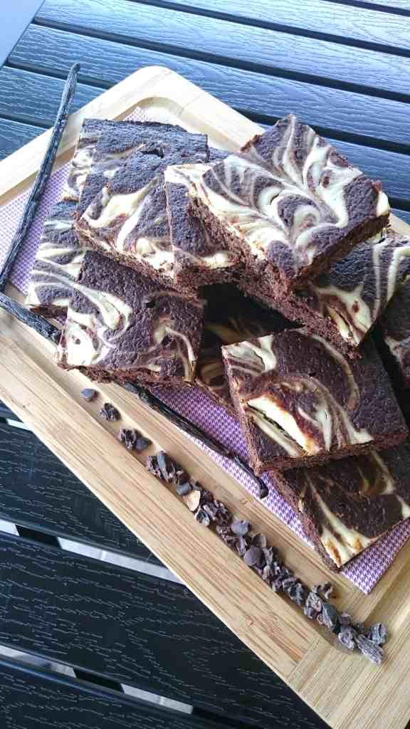 sugar free low carb chocolate vanilla brownies