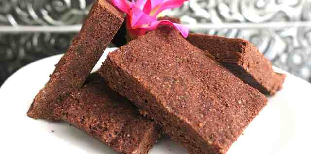 sugar free keto almond chocolate fudge (marion's scottish tablet)