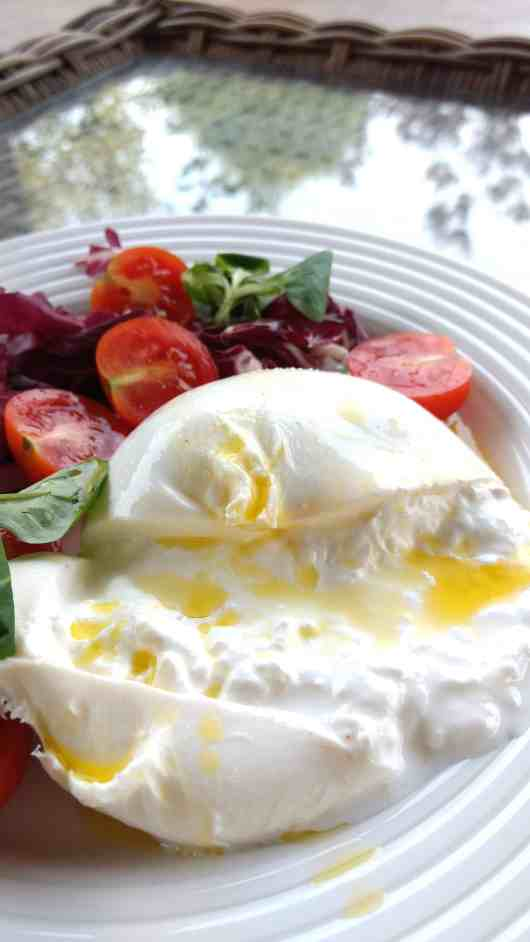 keto low carb italian-style burrata salad