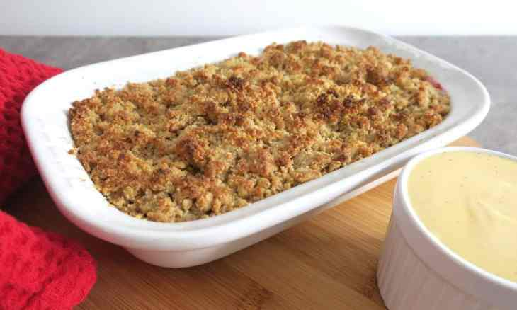 Sugar Free Low Carb Rhubarb and Ginger Crumble