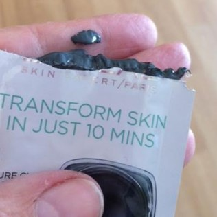 L'Oreal PURE-CLAY MASK Detox & Brighten Charcoal Clay Mask Review