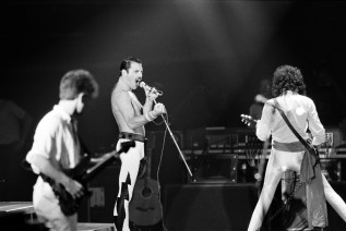 Queen Live In Paris 1984
