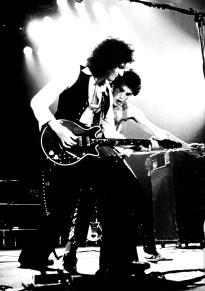 brian-may-and-freddie-mercury-1979