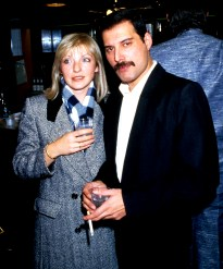 freddie-mercury-and-mary-austin