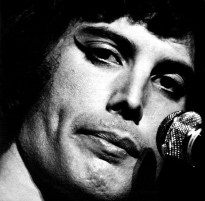 Freddie Mercury - 1975 Live